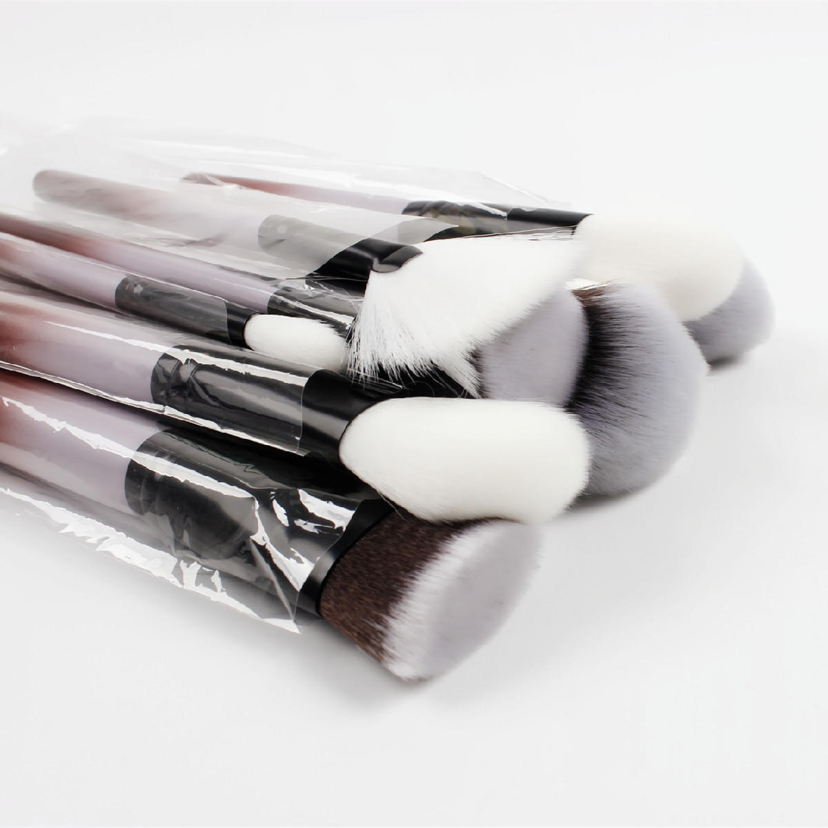 Luxury 15PCS Professional Makeup Brushes Set Kits Black Wooden Private Label Logo Custom cosmetic makeup brush set