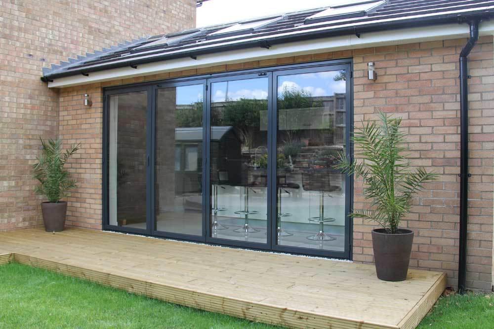 Customized Design Weatherproof Double Tempred Glass Large Folding Patio Doors Aluminium Bi Fold Sliding Doors