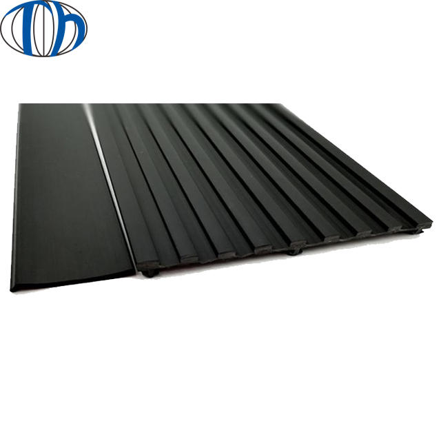 Indoor rubber Single channel cable protector rubber mat ramp , rubber curb ramp