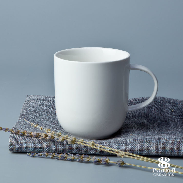 Plain white ceramic beer mug promotional round deep thin porcelain cup with handle