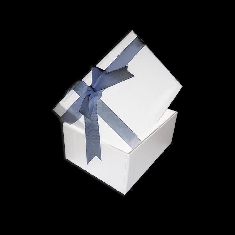 Elegant small square cardboard white custom paper jewelry boxes with ribbon