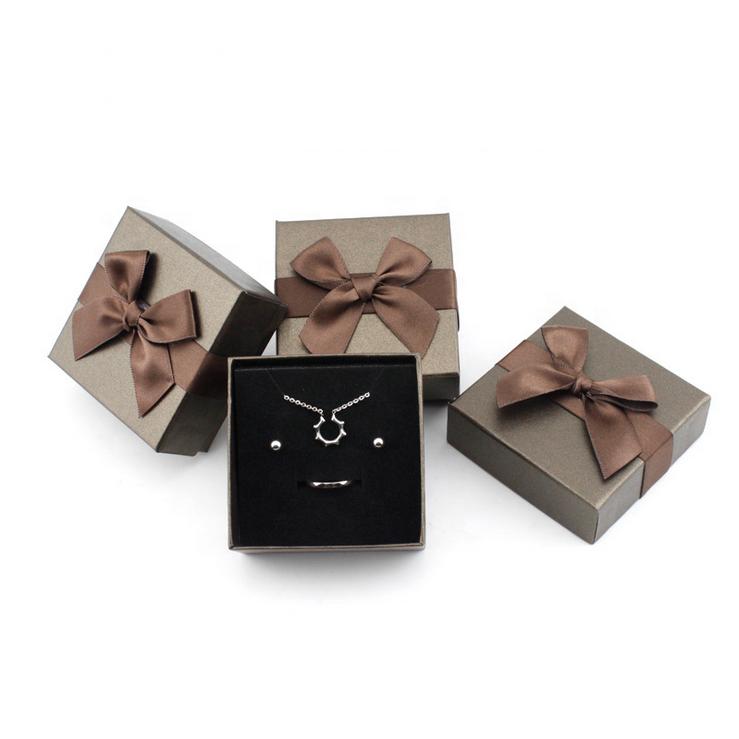 Custom Logo Printed Foam Filled Bracelet Jewelry Boxes For Display