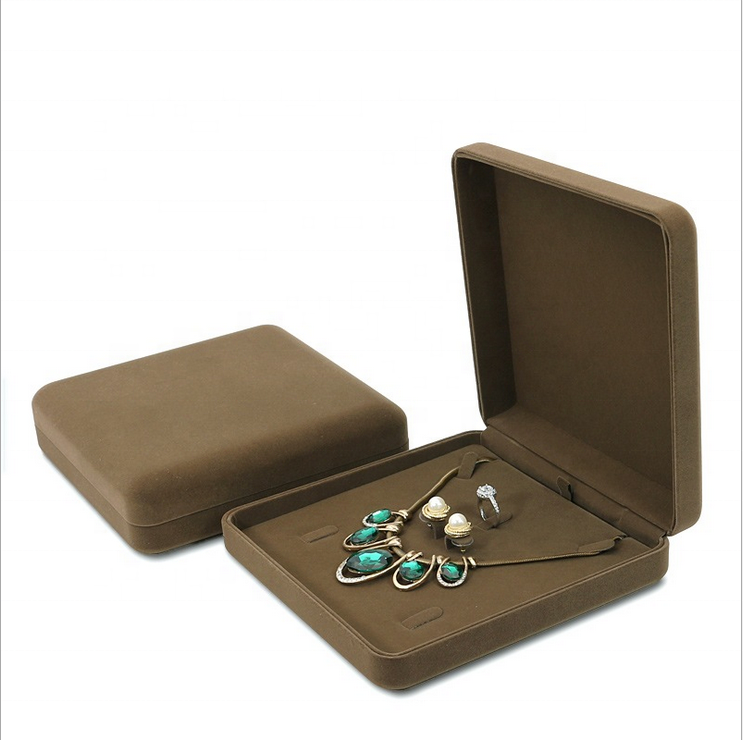 Premium Design Velvet Box Custom Logo Necklace Packaging For Jewelry