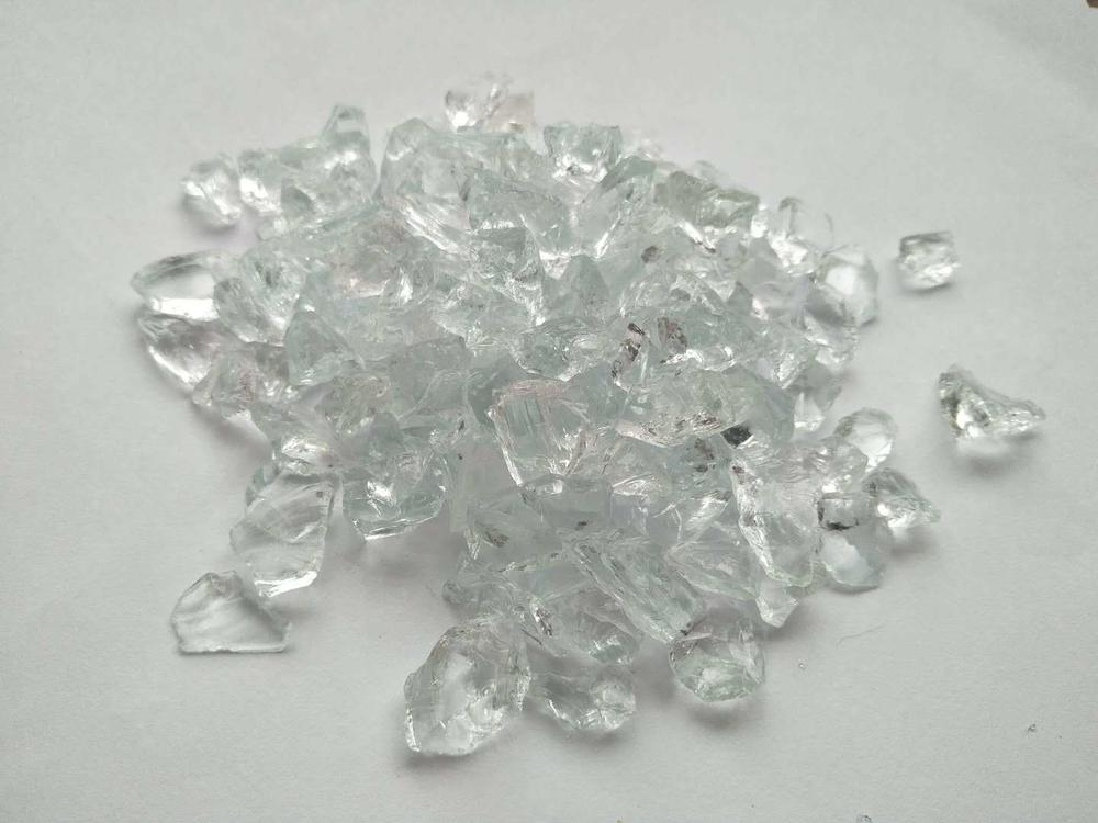 White Clear Crushed Glass Chips.