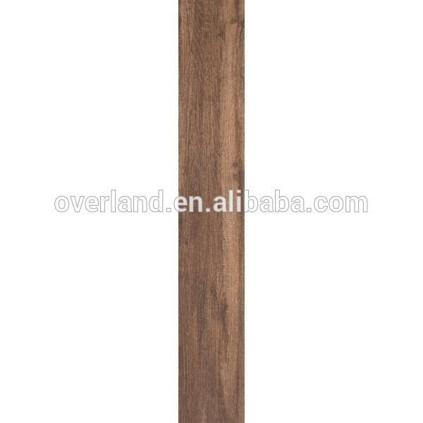 Oak look wood porcelain tile