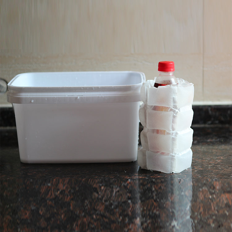 Cold preserving ice packs for food shipping
