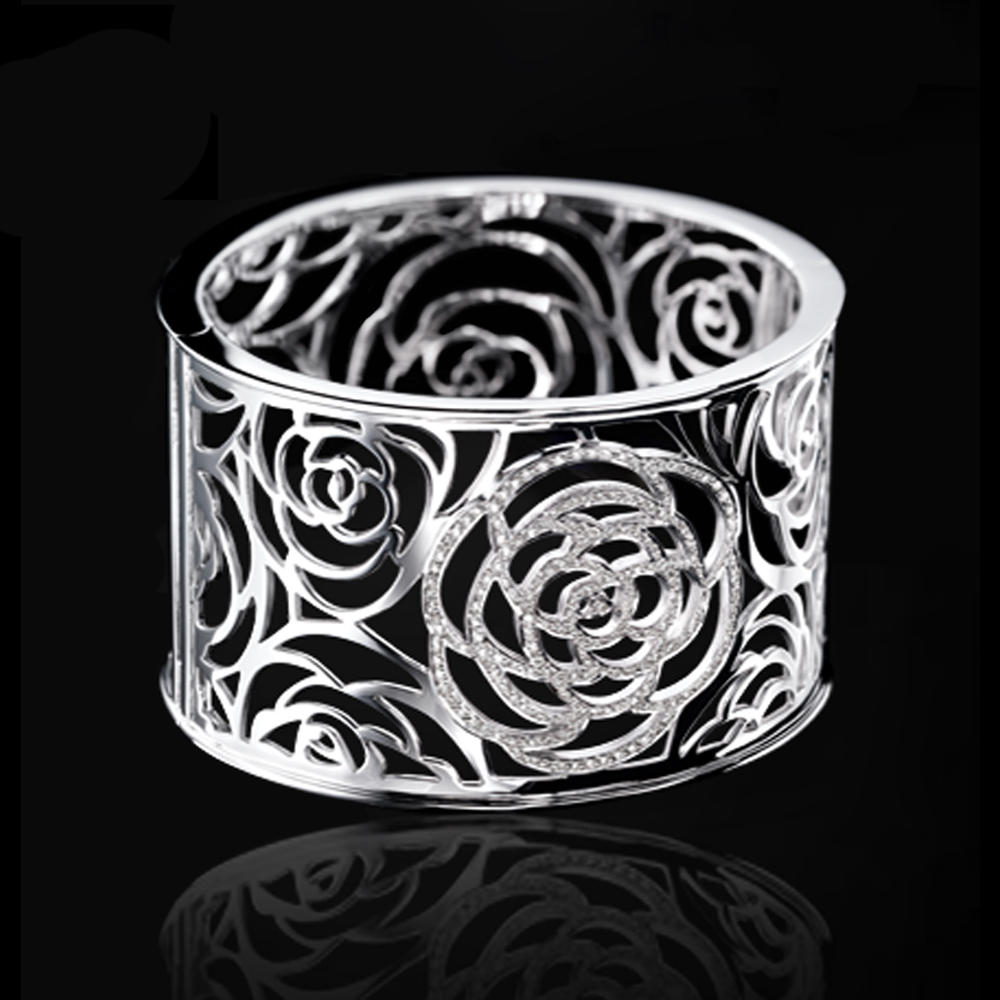 Unique style flower design buckingham jewellery bangle