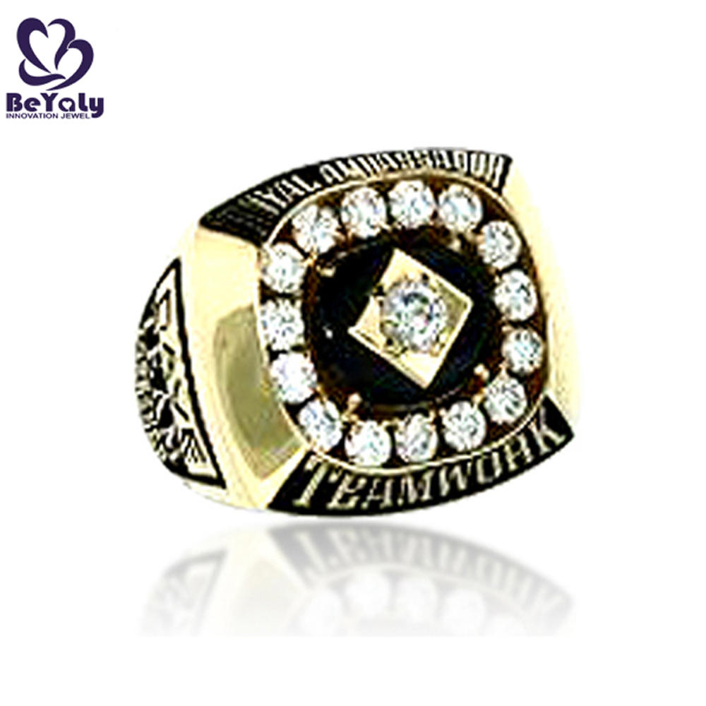 Beautiful low price daily wear gold plated large metal square ring