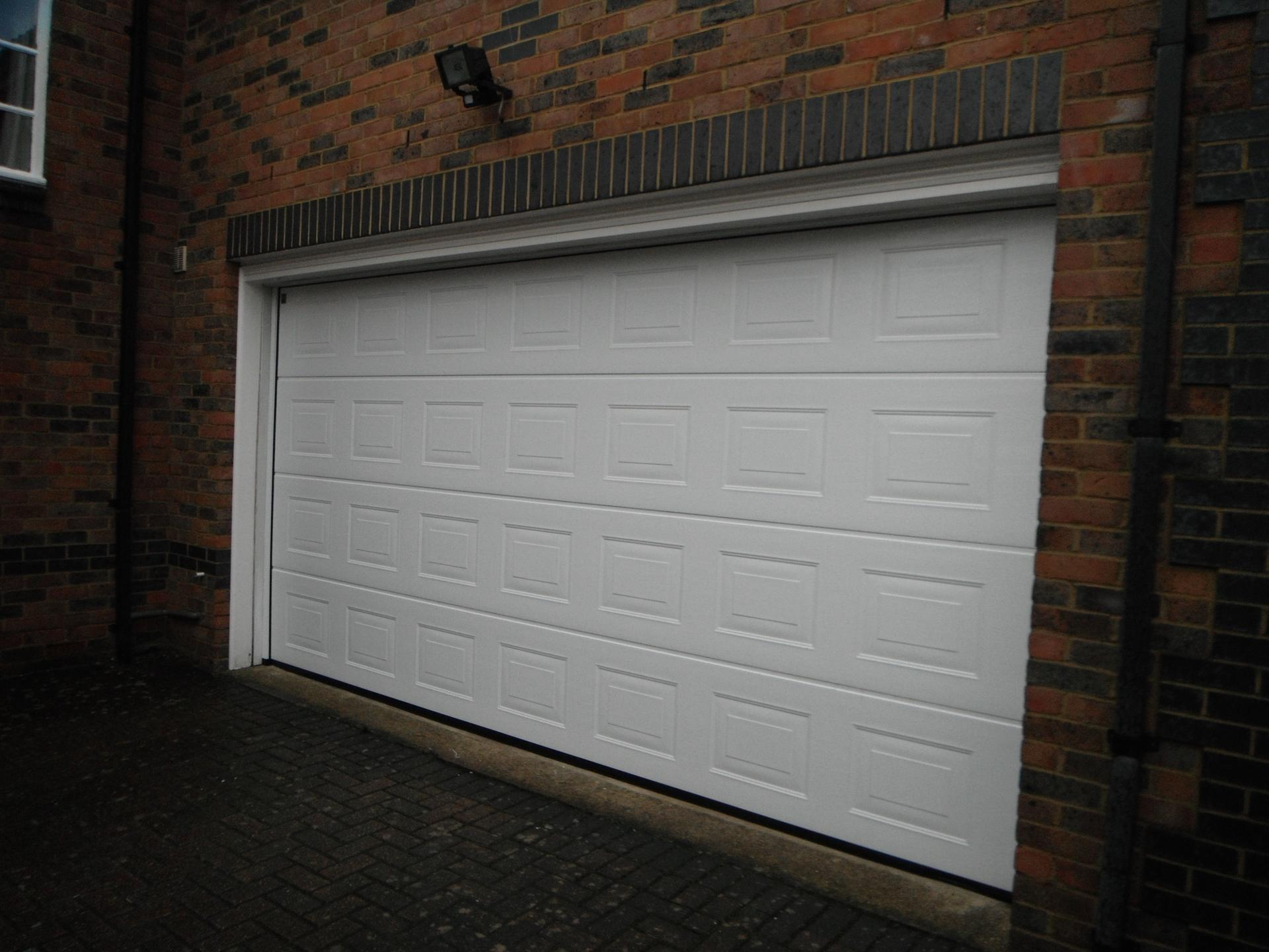 Good Quality 50mm thickness Powder Coating Steel White Overhead Sectional Garage Door