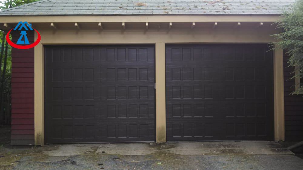 High Quality Wooden Color Security GarageDoor for House