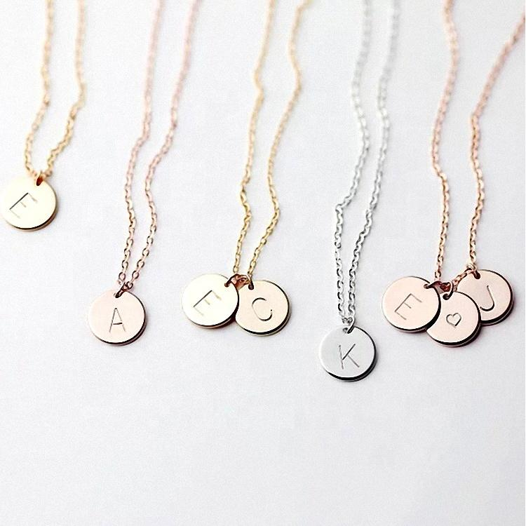 Quality 26 alphabet engraved stainless steel round letter charm necklace