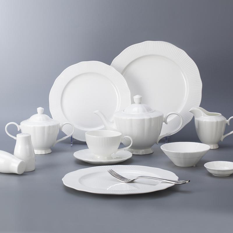 Europe style novelty personalized white bone china dinnerware set for restaurant