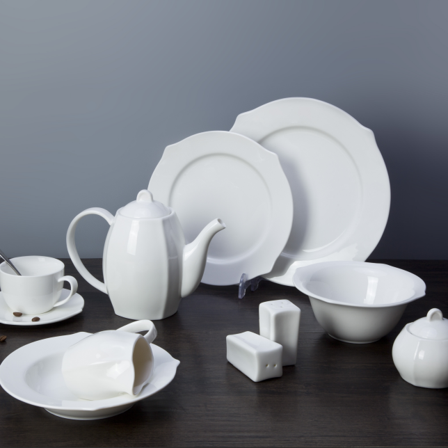 Ceramic supplier modern style white china porcelain dinnerware set