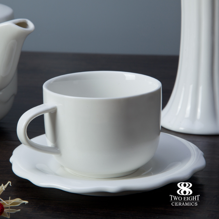 Wholesale White Porcelain 2019 Hotel & Restaurant Crockery Tableware, Dinnerwareplates, Ceramic Breakfast Dinnerware Set