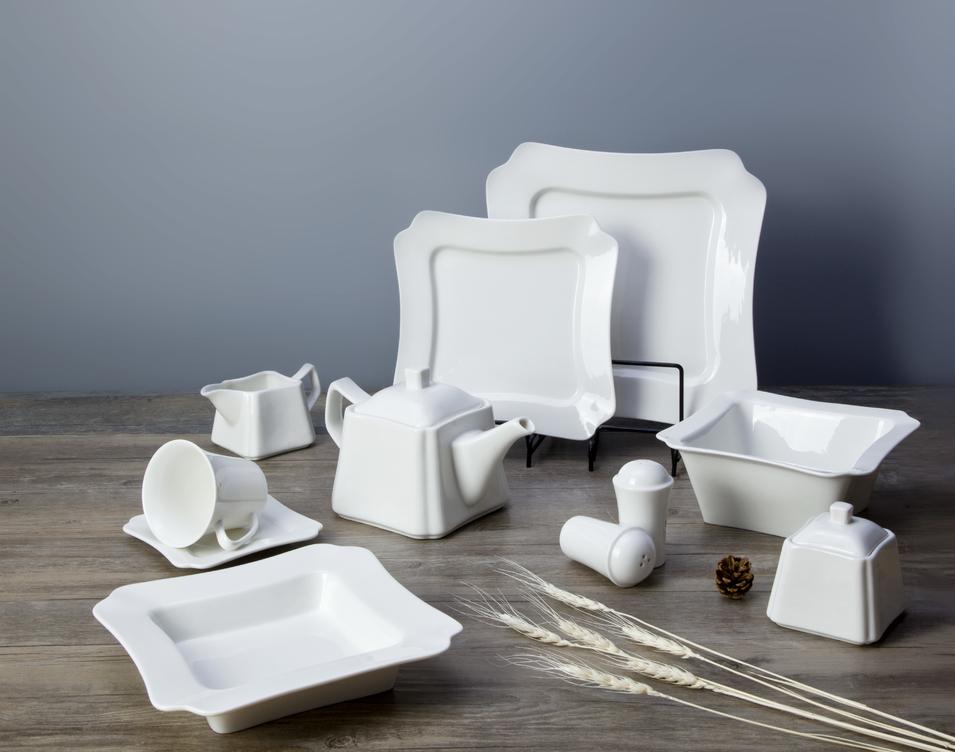 Wholesale Promotion dinnerware white porcleian tableware hotel restaurant usetableware set