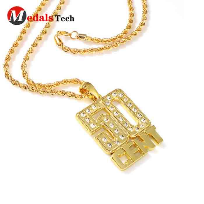 Promotional shinny gold gift custom logo necklace for girls