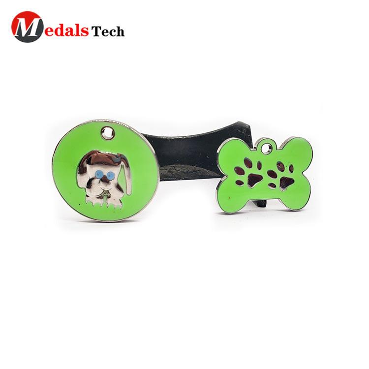 High quality custom cute logo shinny silver metalpet dog