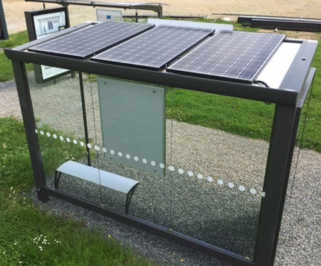 High Quality Tempered Glass Solar Bus Stop Shelter Design