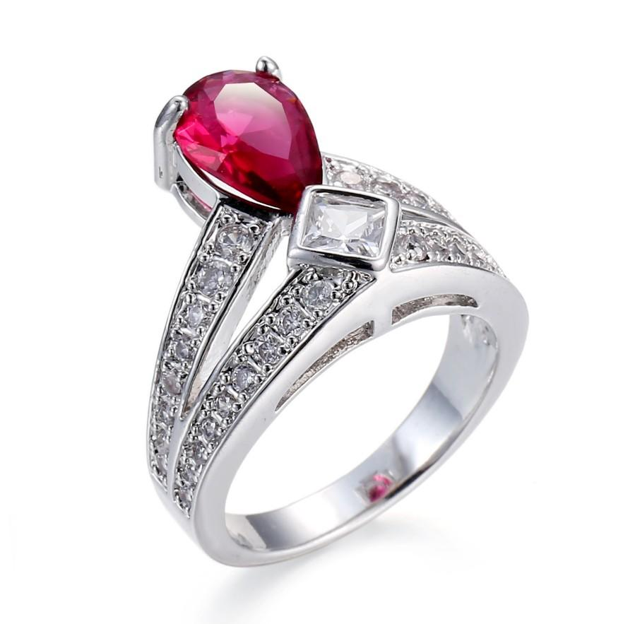 Unique design colorful geometric 2 carat diamond ring price