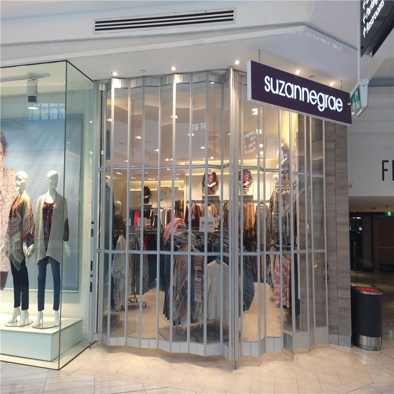 Commercial folding doors pc transparent polycarbonate sliding folding door for supermarket 20*7 feet