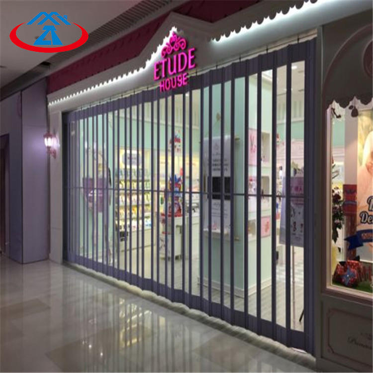 120mm Width Of The PC Slat Size 6000mmW*3000mmH 24 Hours Display Transparent Polycarbonate Folding Door