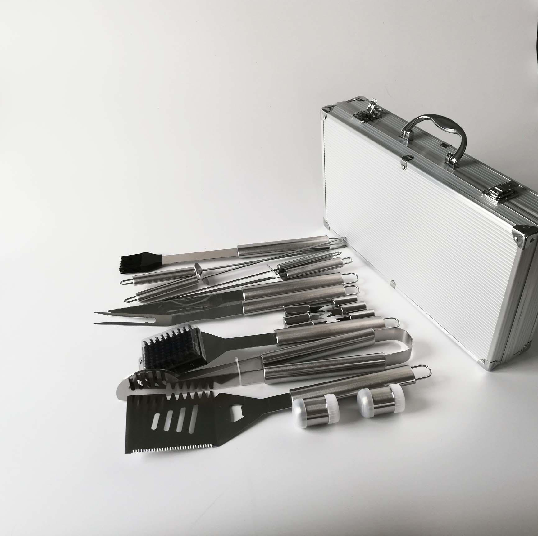 High polish 18PCS bbq tools stainless steel barbecue sets bbq box