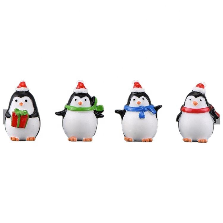 2020 New Design hand-made Christmas resin animal figurine Penguin decoration