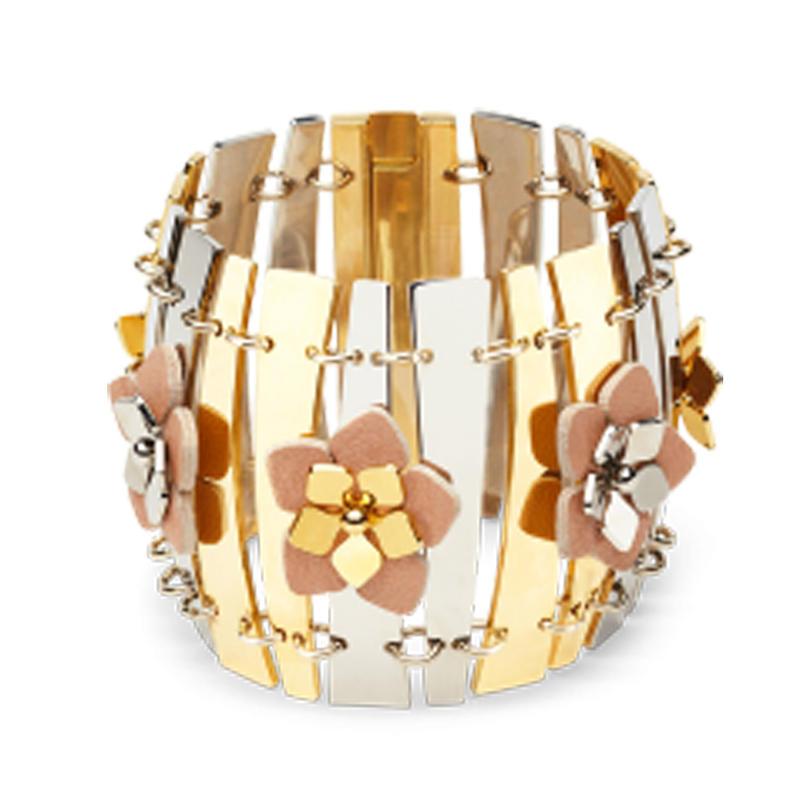 Beauty flower engraved 18 carat gold bangles and bracelets