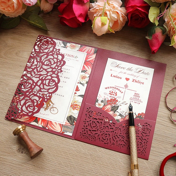 Customized Luxury Wedding Invitations Cards Kits Laser Cut Hollow Rose Pocket Wedding Invitations with Envelopes
