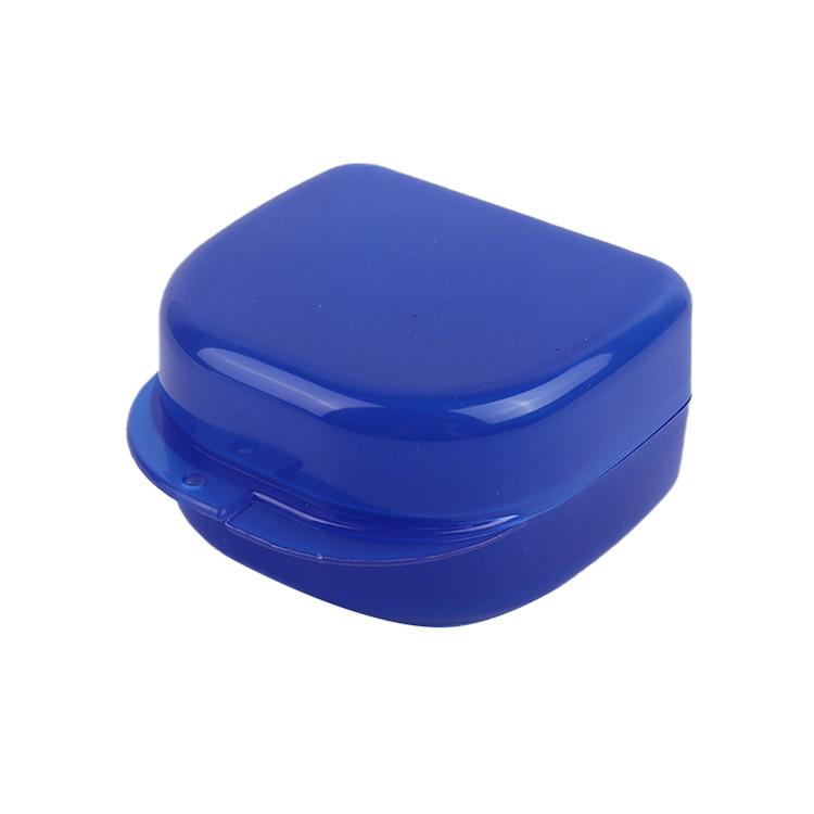 Convenient to use plastic dental implant transport box