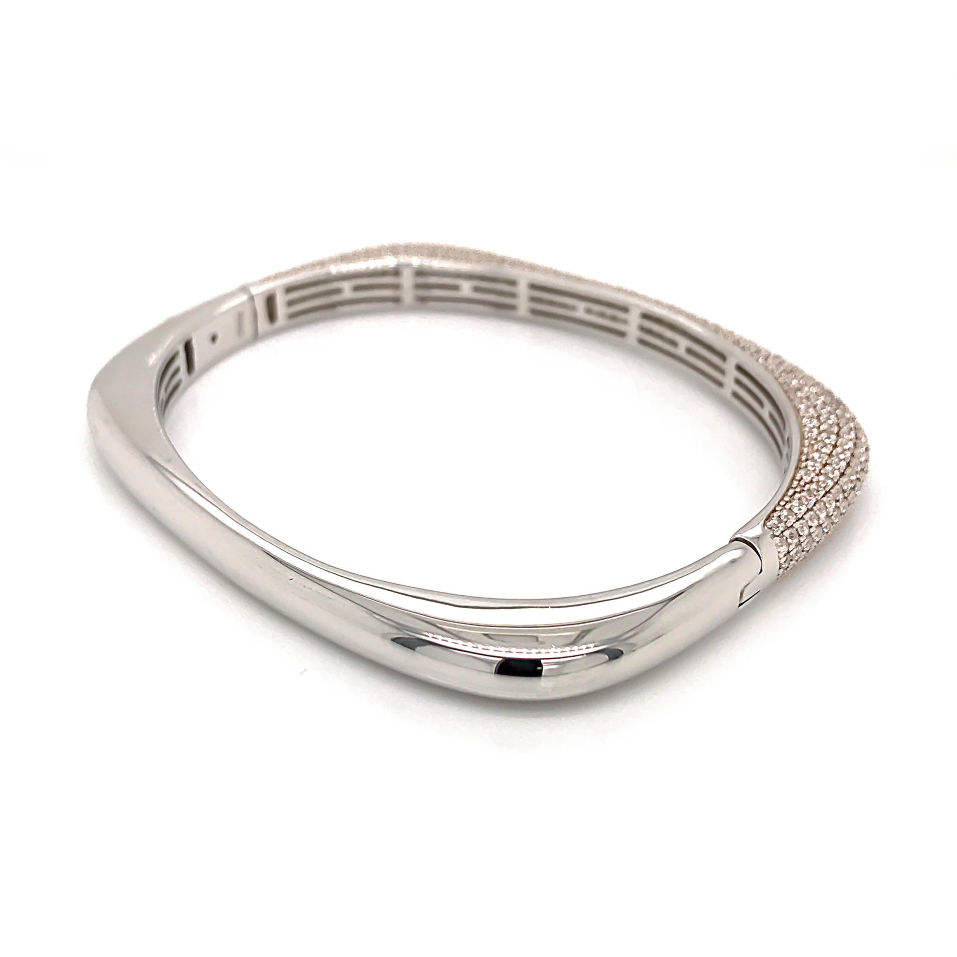 Luxury Zircon Half Pave Setting Geometric Silver Bangle Bracelet