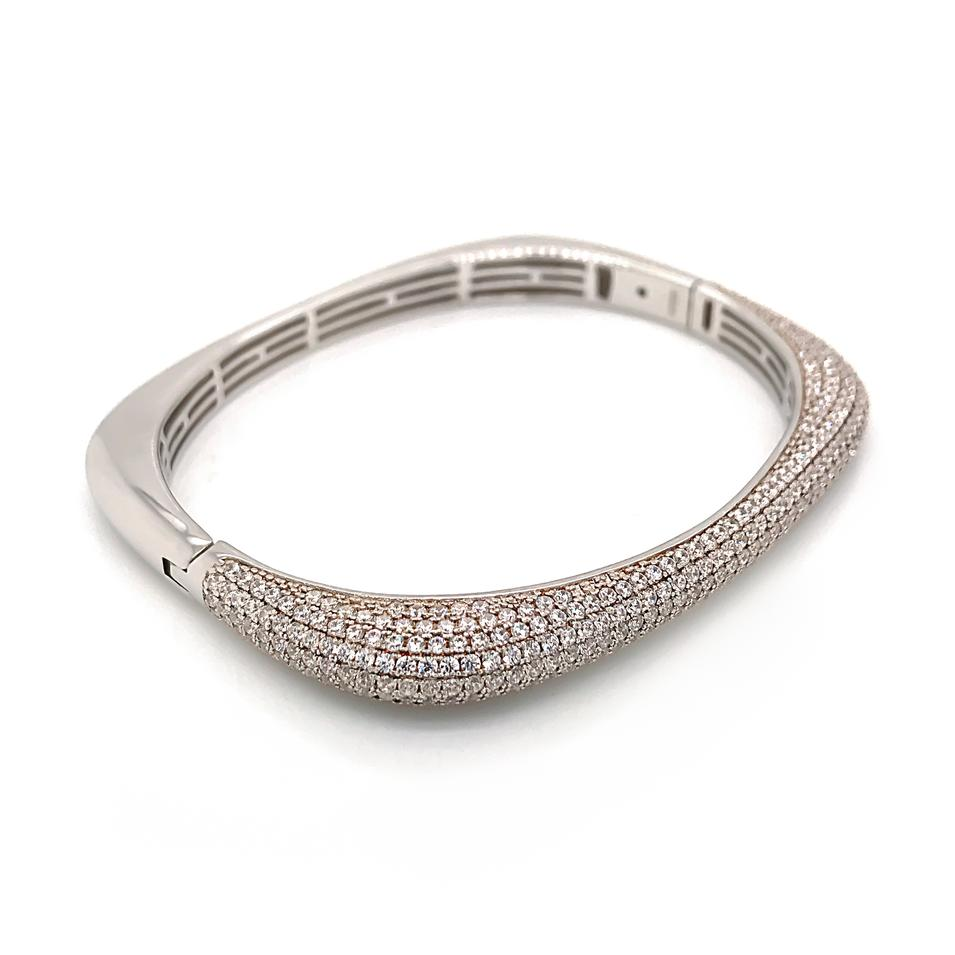 Luxury Zircon Half Pave Setting Geometric Silver Bangle Bracelet