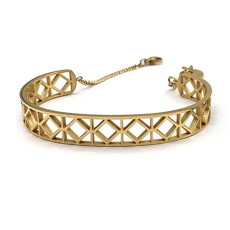 Delicate Cz Inlaid 18K Gold Bangle Saudi Arabia Jewelry