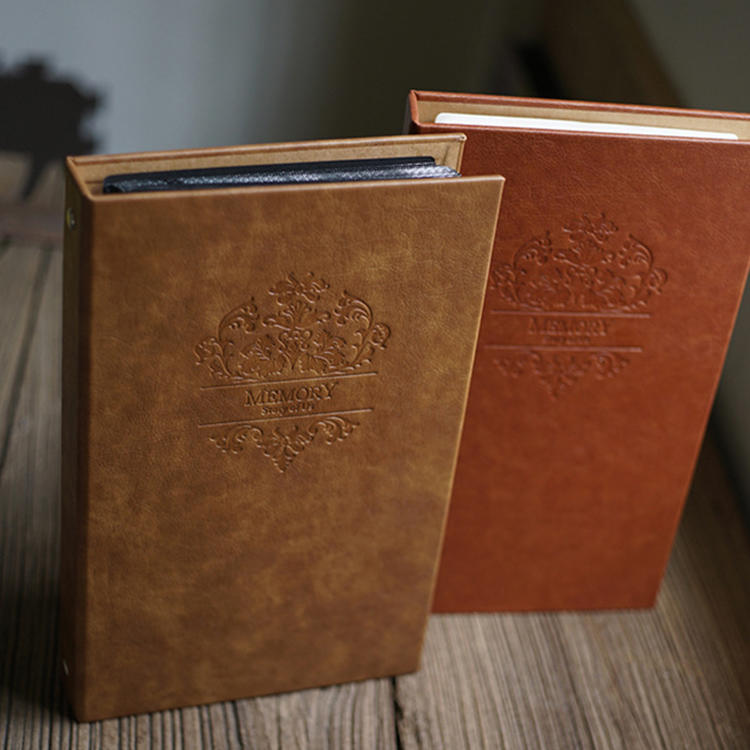 product-Vintage Style 8x12 Inches Embossed Leather Wedding Photo Albums For Lover-Dezheng-img-1