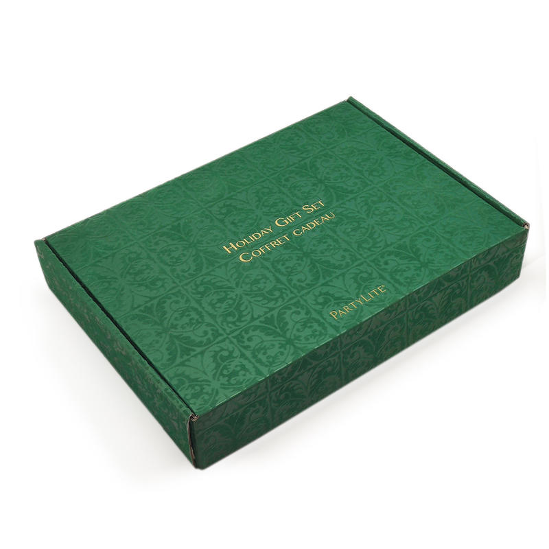 Luxury clothing mailing corrugated packaging box