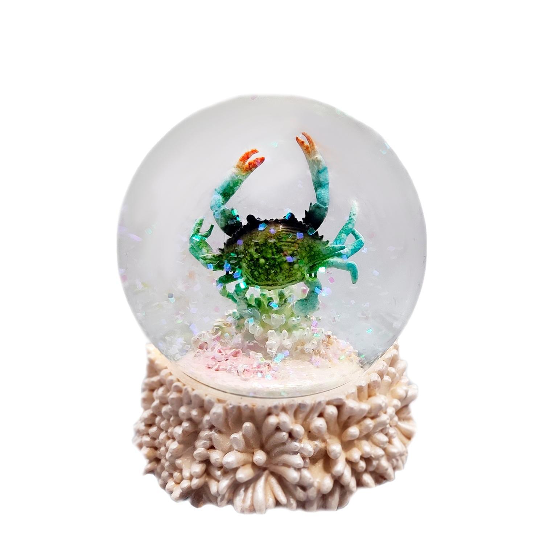 Custom 80 mm Resin Cute Crab Statues inside Snow Globe Theme Sea Animal figurines Type Water Globe