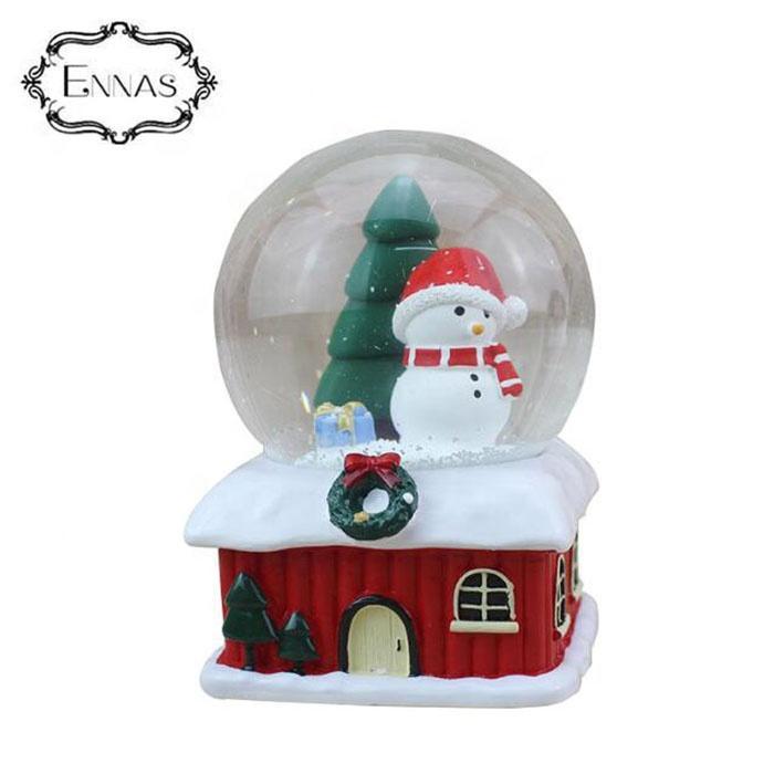 Wholesale custom cheap Christmas resin snowman snow globe xmas decoration