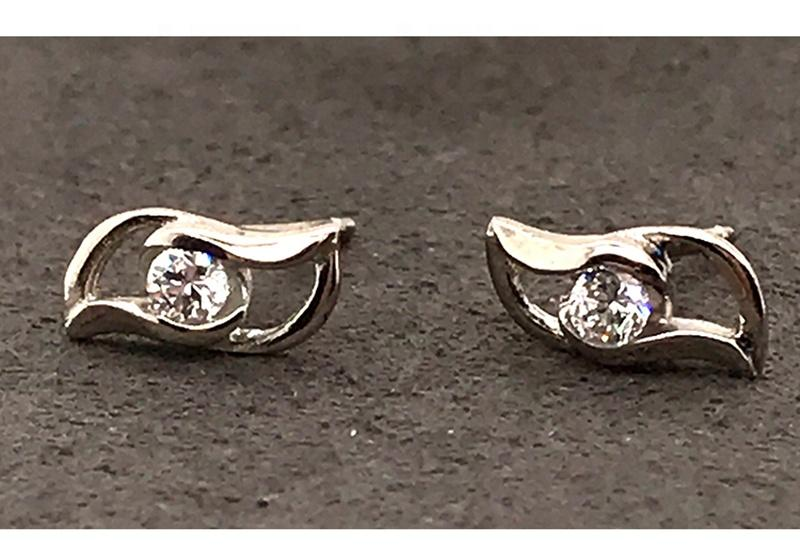 Minimalism Design Small 925 Silver Eye Earring Studs For Girls