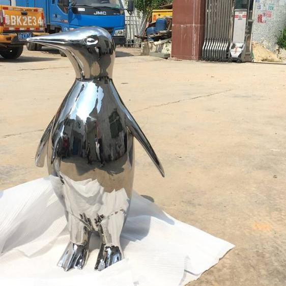 Stainless steel animal penguin sculpture for outdoor decoration