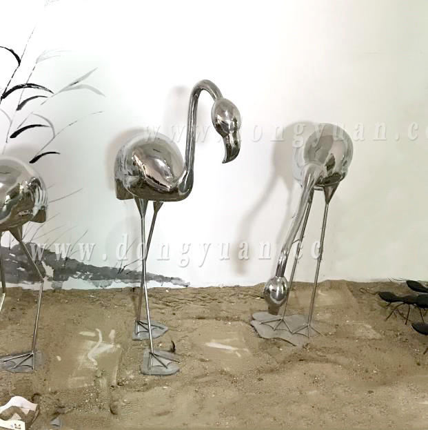 Small Cast Metal Bird, Stainless Steel Flamingo Sculpture for Construction Decoration