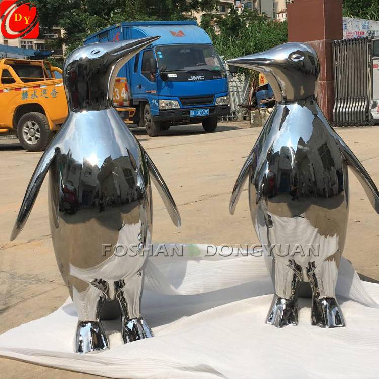 Custom Mirrored Polished Metal Penguins Sculpture for Sale, Modern Animal Decor