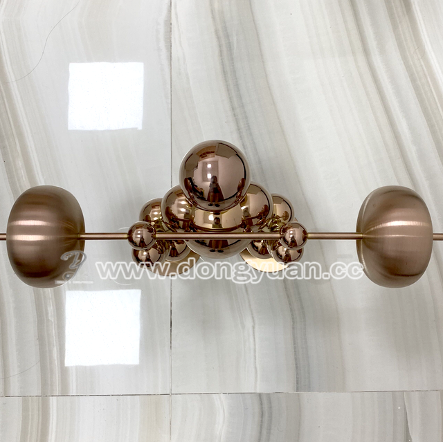 Mirror Polished Stainless Steel Decoration Crafts , Metal Display Table Artworks for hotel Ornaments