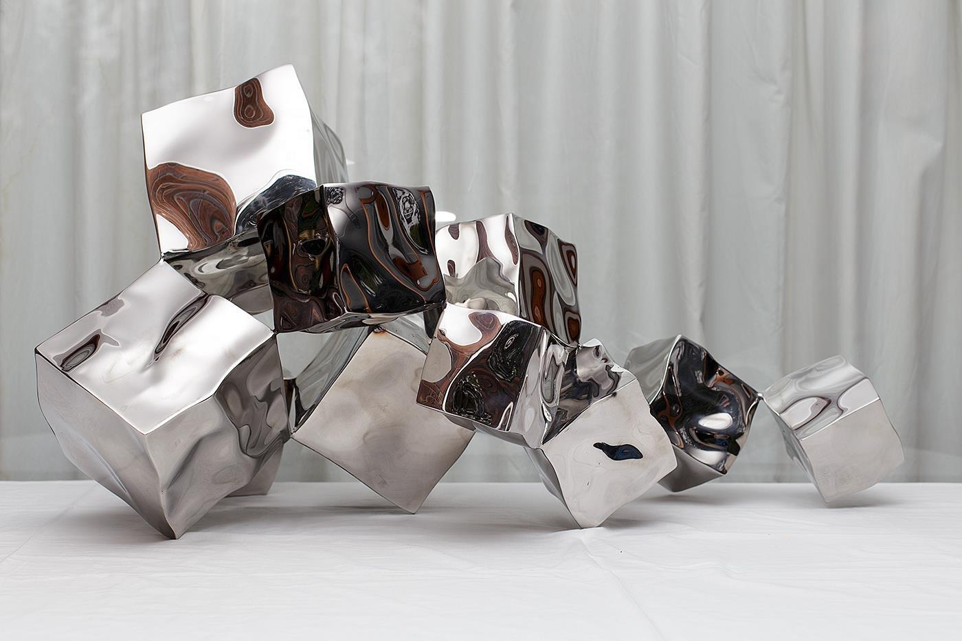 Mirror polished stainless steel Cube BallStatue