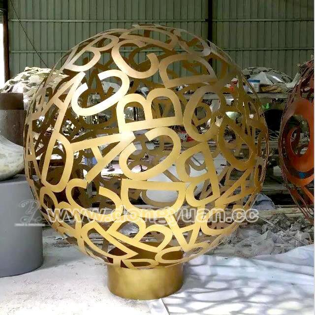 Iron Abstract Arts Sculpture Spheres for Garden Ornaments