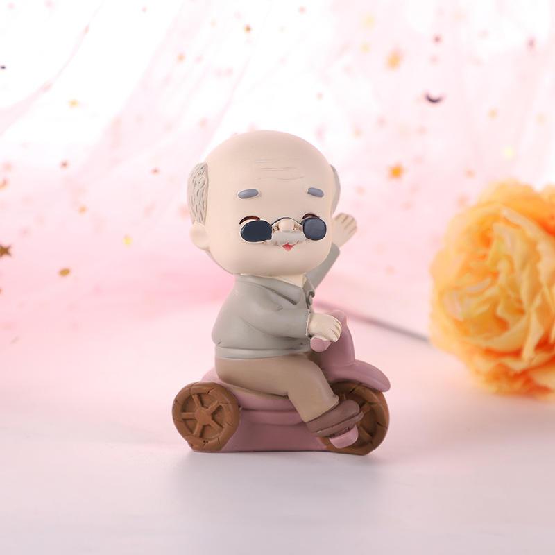 Custom Resin Elderly Couple Figurines Couple Under The Umbrella Wedding Anniversary Gift