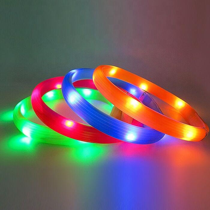 Classic Led Dog Collar with Free Size Feature Different Color Supported Light Up Dog Collar Silicone Material