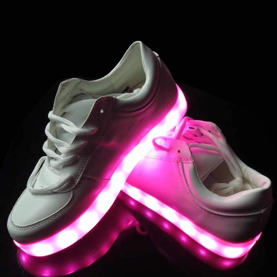 Led Light Shoes 2016 New Style Colorful Running Sport Changeable Color LED Shoes Women Men with Remote Control