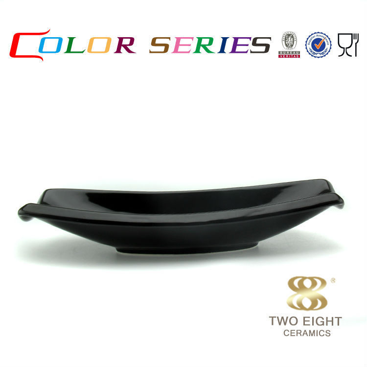 Black porcelain unbreakable plates boat shaped food plate for sale