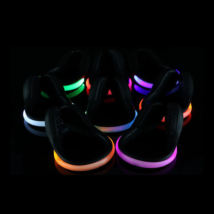 OEM Customized LED Reflective Gear Shoe Clips For Night Sports