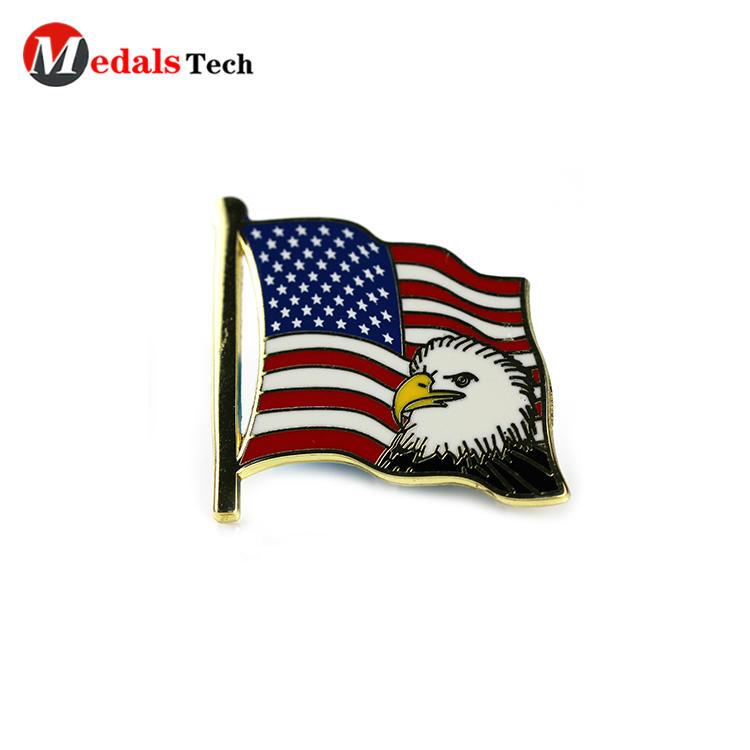 Made hard enamel gold plating usa flag eagle logo badge